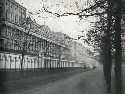 'Carlton Hose Terrace', 1933-Unknown-Framed Photographic Print