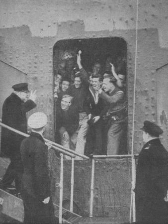 'Mr. Churchill gives the V-Sign to cheering members of the ship's crew', 1943-1944-Unknown-Framed Photographic Print