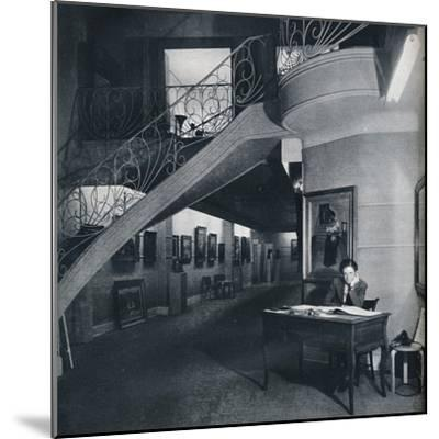 'The ground floor gallery of the American-British Art Center', c1941-Unknown-Mounted Photographic Print
