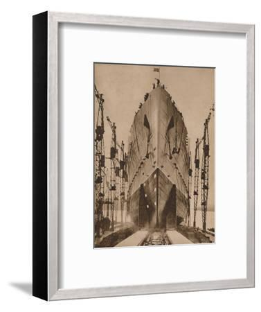 Launch of the Cunard ocean liner `Queen Mary`, 1934 (1935)-Unknown-Framed Photographic Print