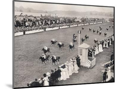 'The Finish for the Royal Hunt Cup', c1903-Unknown-Mounted Photographic Print