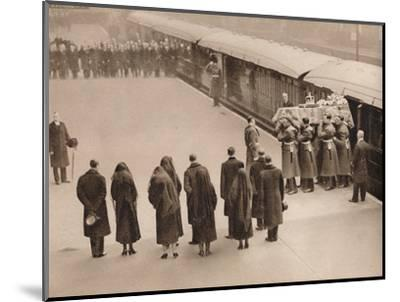 'Watching the coffin, covered by the Royal Standard', 1936-Unknown-Mounted Photographic Print