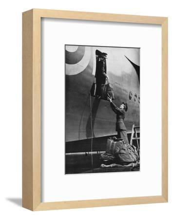 Members of the WAAF serving in Coastal Command, c1940 (1943)-Unknown-Framed Photographic Print
