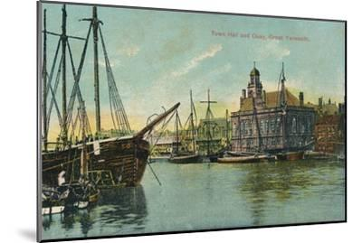 Town hall and quay, Great Yarmouth, Norfolk, c1905-Unknown-Mounted Giclee Print