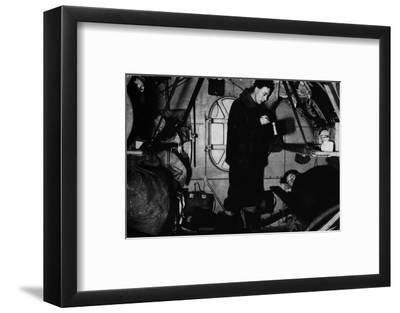 An RAF rigger serving breakfast at 6.30 am, c1940 (1943)-Unknown-Framed Photographic Print