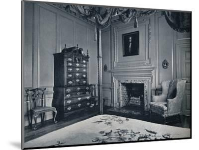A New England Chest-on-Chest with Bombe Base in one of the bedrooms of the palace of Williamsburg-Unknown-Mounted Photographic Print