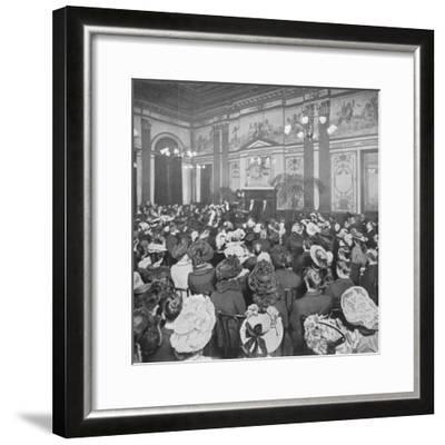 A Sunday evening debate at the Old Playgoers Club, London, c1903 (1903)-Unknown-Framed Photographic Print