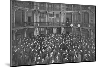 In the Coal Exchange, City of London, c1903 (1903)-Unknown-Mounted Photographic Print