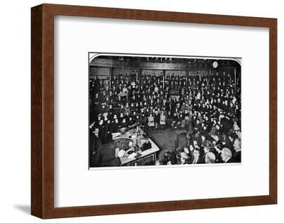 A lecture at the Royal Institution, London, c1903 (1903)-Unknown-Framed Photographic Print