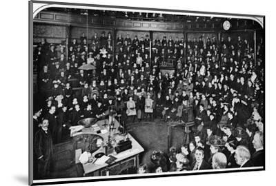 A lecture at the Royal Institution, London, c1903 (1903)-Unknown-Mounted Photographic Print