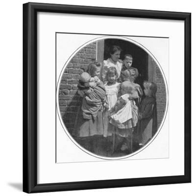 A happy little group, London, c1901 (1901)-Unknown-Framed Photographic Print