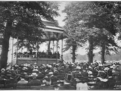 A band in Hyde Park, London, c1901 (1901)-Unknown-Framed Photographic Print