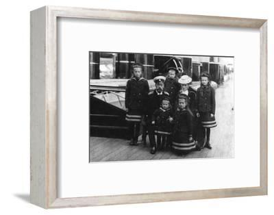 Tsar Nicholas II and Tsarina Alexandra of Russia and their children, 1907-Unknown-Framed Photographic Print
