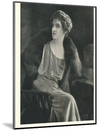 Lady Oxford says It Is Popular To Be Liberal With Booth's Gin-Unknown-Mounted Photographic Print