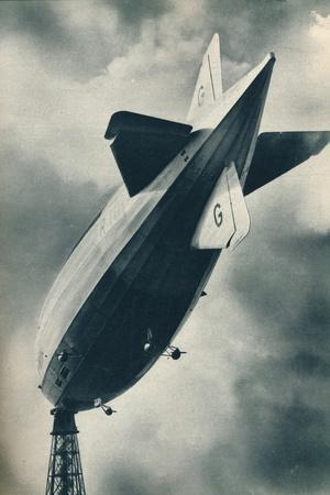 British rigid airship R101 riding at her mooring mast at Cardington, Bedfordshire, c1929-Unknown-Framed Photographic Print