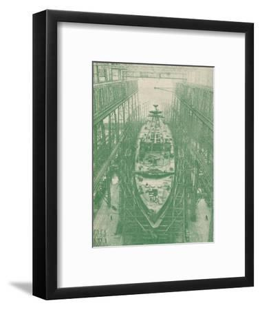 A light cruiser under construction, c1917 (1919)-Unknown-Framed Photographic Print