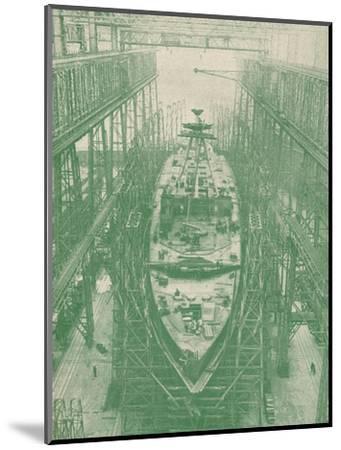 A light cruiser under construction, c1917 (1919)-Unknown-Mounted Photographic Print