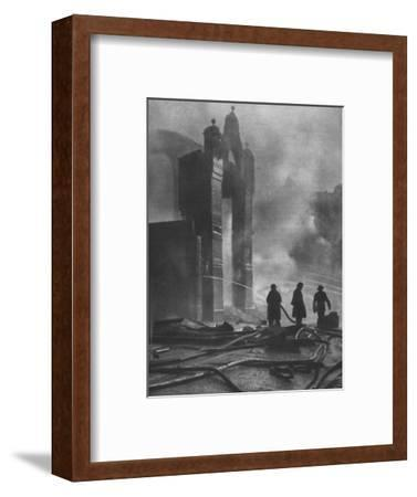 'And the heat of Battle.', 1941 (1942)-Unknown-Framed Photographic Print