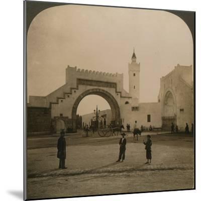 'Bab el-Hathera, Tunis, Tunis', 1901-Unknown-Mounted Photographic Print