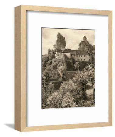 'Tuchersfeld (Frankische Schweiz). Judehof', 1931-Kurt Hielscher-Framed Photographic Print