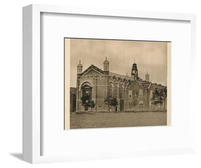 'Christ's Hospital', 1923-Unknown-Framed Photographic Print