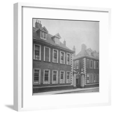 Gateway of Berkeley's Hospital, Worcester, Worcestershire, 1924-Unknown-Framed Photographic Print