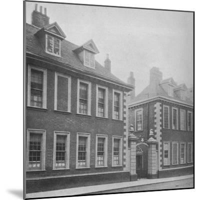 Gateway of Berkeley's Hospital, Worcester, Worcestershire, 1924-Unknown-Mounted Photographic Print