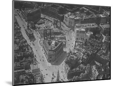 Bird's-eye view of the surroundings of Bush House, London, 1924-Unknown-Mounted Photographic Print