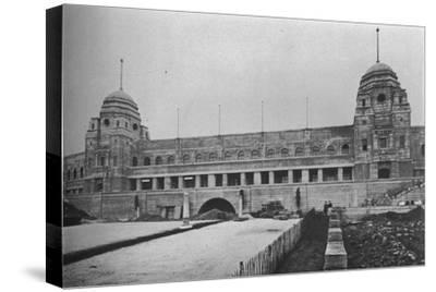 Approach to Wembley Stadium, British Empire Exhibition, London, 1924-Unknown-Stretched Canvas Print