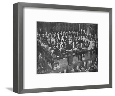 'Lord Kitchener making a recruiting appeal at the Guildhall', 1915-Unknown-Framed Photographic Print