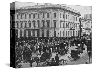 'German and Austrian prisoners being marched through the streets of Petrograd', 1915-Unknown-Stretched Canvas Print