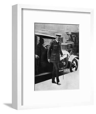 'The Cabinet crisis: Lord Kitchener arriving at the War Office', 1915-Unknown-Framed Photographic Print