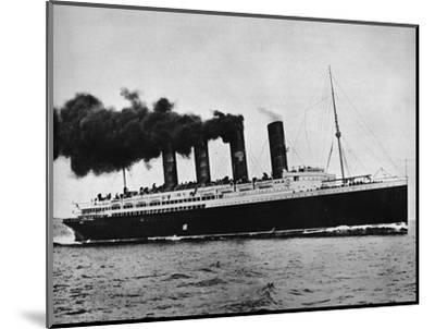 'The Lusitania at full speed', 1915-Unknown-Mounted Photographic Print