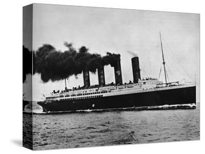 'The Lusitania at full speed', 1915-Unknown-Stretched Canvas Print