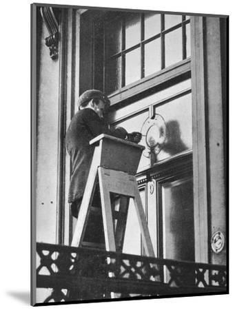 'Removing German emblems from German Embassy, Carlton House Terrace, London', 1914-Unknown-Mounted Photographic Print