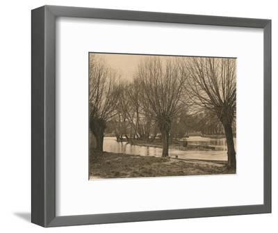 'Pangbourne Weir', 1902-Unknown-Framed Photographic Print