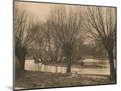 'Pangbourne Weir', 1902-Unknown-Mounted Photographic Print