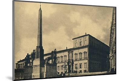 'Roma - The Quirinal Palace and Fountain', 1910-Unknown-Mounted Photographic Print
