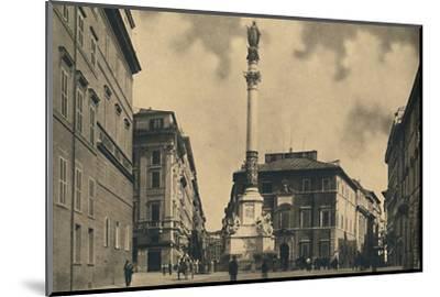 'Roma - Piazza di Spagna', 1910-Unknown-Mounted Photographic Print