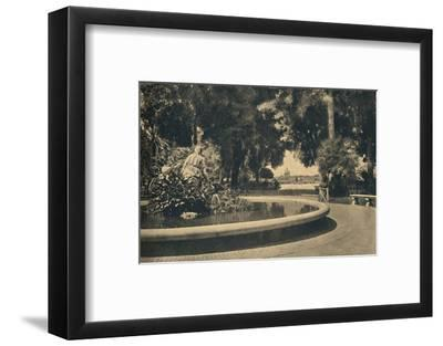 'Roma - The Pincio Park. Fountain of Moses, saved from the waters (by Brazza)', 1910-Unknown-Framed Photographic Print