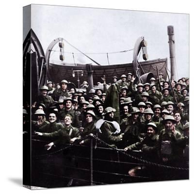 A boat of soldiers rescued from Dunkirk, 1940, (1945)-Unknown-Stretched Canvas Print