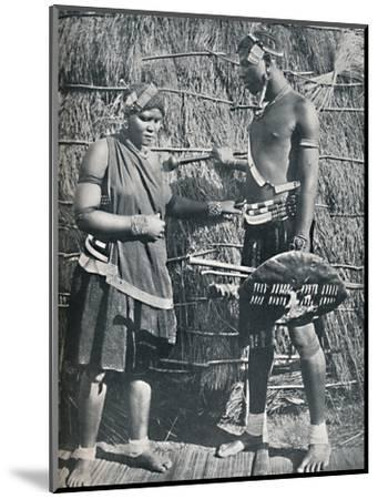 A pair of Zulu lovers, 1912-Unknown-Mounted Photographic Print