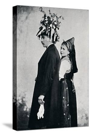 A bride and bridegroom of the Black Forest, 1912-E Uhlenhuth-Stretched Canvas Print