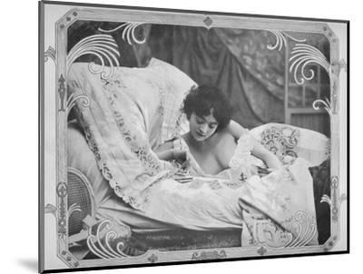 'La Carte Favorable', 1900-Unknown-Mounted Photographic Print