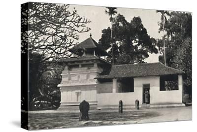 'Gedige Vihara, Kandy (Beispiel eines buddhistischen Tempels im Stile eines Hinduheiligtums, Dewale-Unknown-Stretched Canvas Print