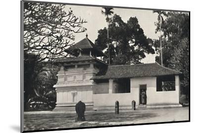 'Gedige Vihara, Kandy (Beispiel eines buddhistischen Tempels im Stile eines Hinduheiligtums, Dewale-Unknown-Mounted Photographic Print