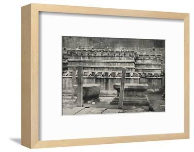 'Die sudliche der vier den Himmelsrichtungen entsprechend errichteten altarartigen Anbetungsstatten-Unknown-Framed Photographic Print