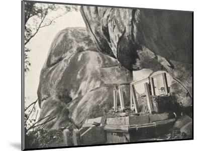 Die Rajagirilena genannte Stelle in den Felsen von Mihintale-Unknown-Mounted Photographic Print