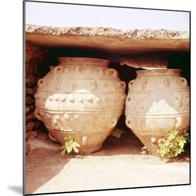 Minoan Kamares Style jug, c2000 BC-Unknown-Mounted Giclee Print