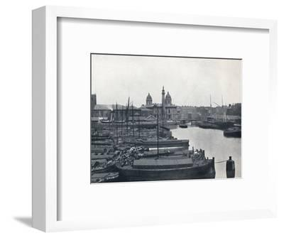 'Hull - Prince's Dock: With The Wilberforce Memorial and Dock Offices', 1895-Unknown-Framed Photographic Print